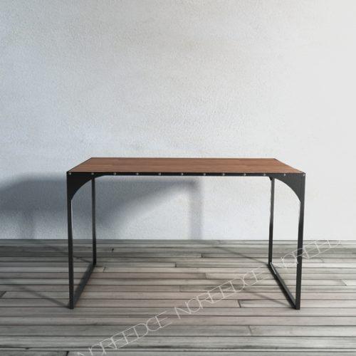 Стол Мирабо